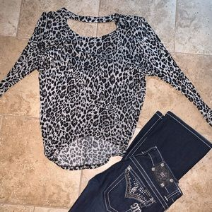 Low back Cheetah shirt